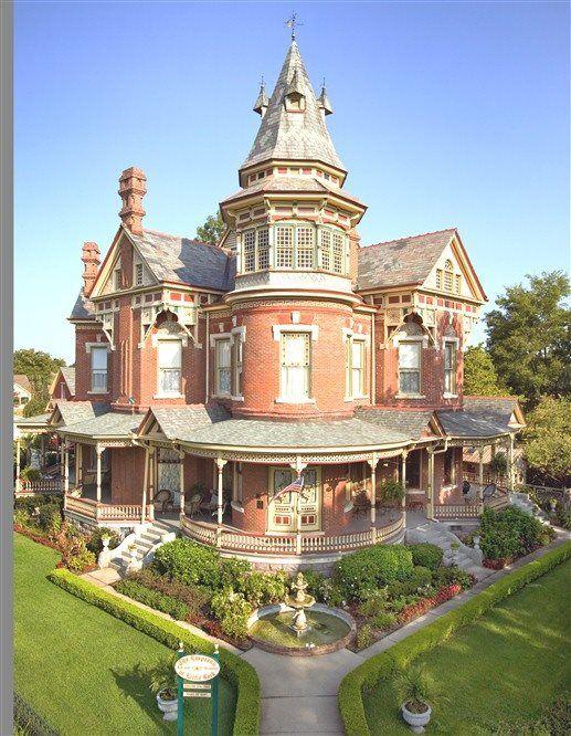 Victorian Houses Victorian Homes Victorian Architecture Historic Homes
