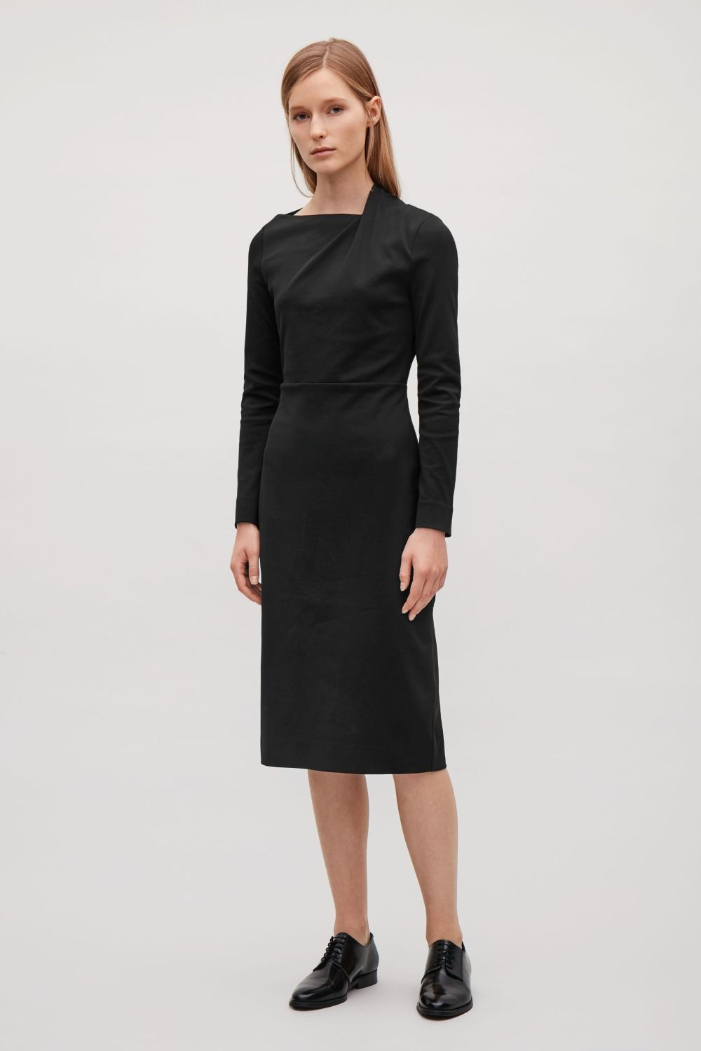 This Dress Is Made From Structured Jersey With A Hint Of Stretch Coming In At The Waist It Has Long Sleeves An Asymmetri Clothes Jersey Dress Clothes Design [ 1500 x 1000 Pixel ]