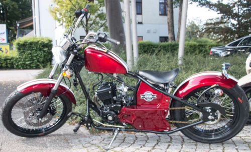Johnny Pag Ventura 125ccm Chopper Burgundy Rot Motorrad