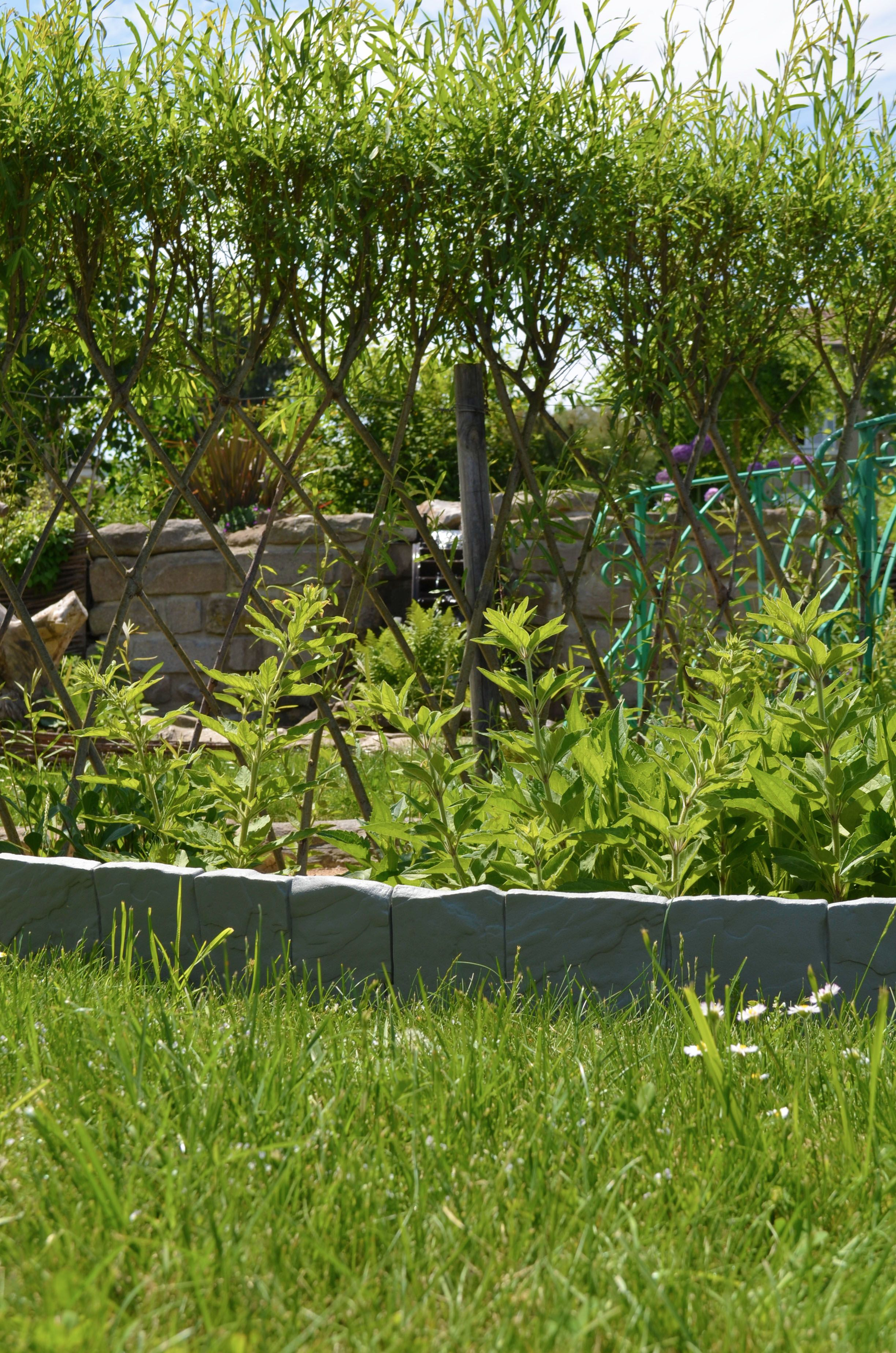 Bordure D Corative Fa On Pierre Pour D Corer Le Jardin Mise En  # Bordure De Jardin Potager