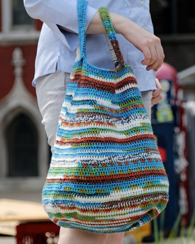 Peruvian Market Tote - free crochet pattern by Heidi Gustad at Hands Occupied.