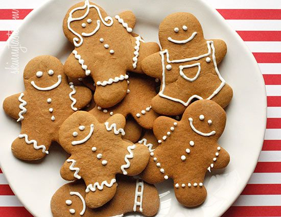 Low-Fat Gingerbread Cookies #holiday #cookie #gingerbread #dessert