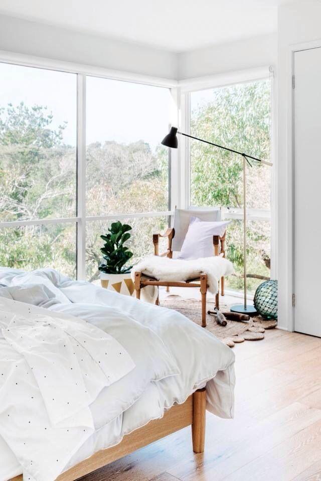 sonho de vida uma casa com um quarto com vista pra natureza assim!