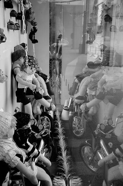 street photography     Camera or Camera phone, photos are memories