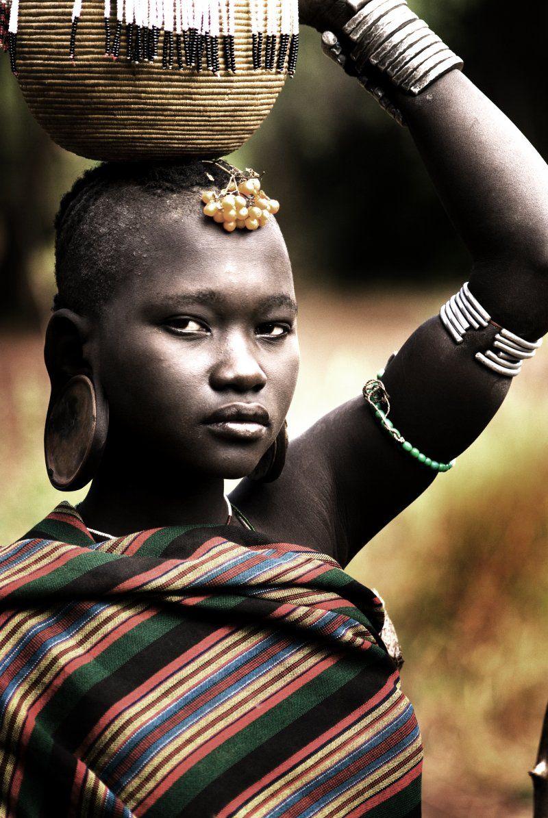tribu mursi - Buscar con Google