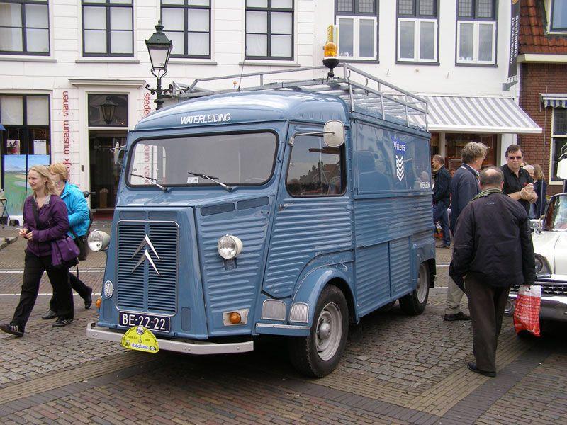Ooit deed deze Citroën HY-bus dienst als servicewagen van de Vitens waterleiding.