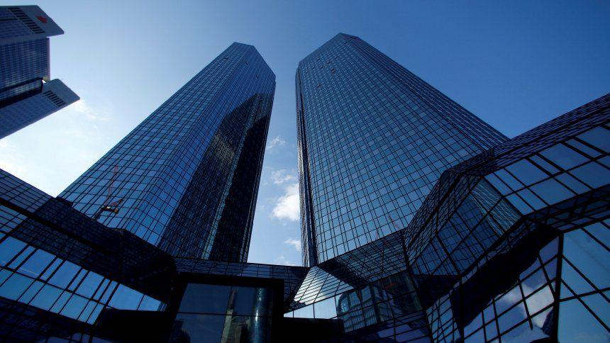 Jetzt Lesen Https Ift Tt 2xuw3m7 Deutsche Bank Tadel Der Notenbank Fuhrt Zu Us Sammelklage Nachricht Investment Banking Financial Times Option Trader