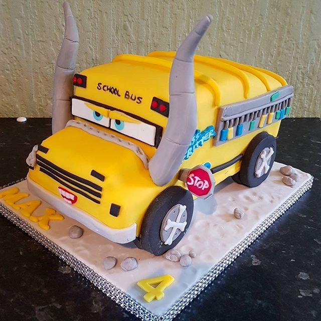 CARS 3 Miss Fritter Birthday Cake