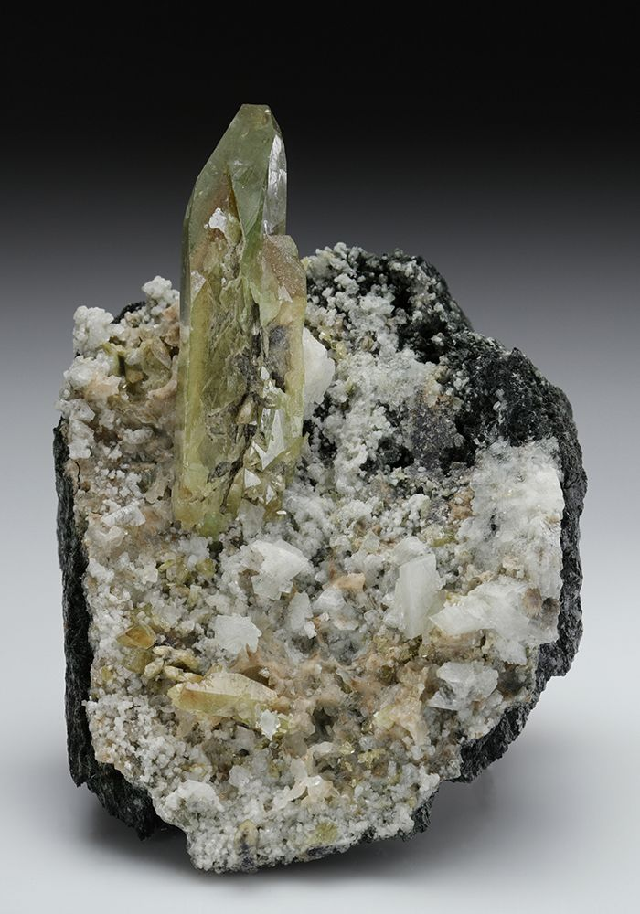 Titanite With Orthoclase Var Adularia Rocks And Minerals Minerals Crystals Gemstone Gems And Minerals