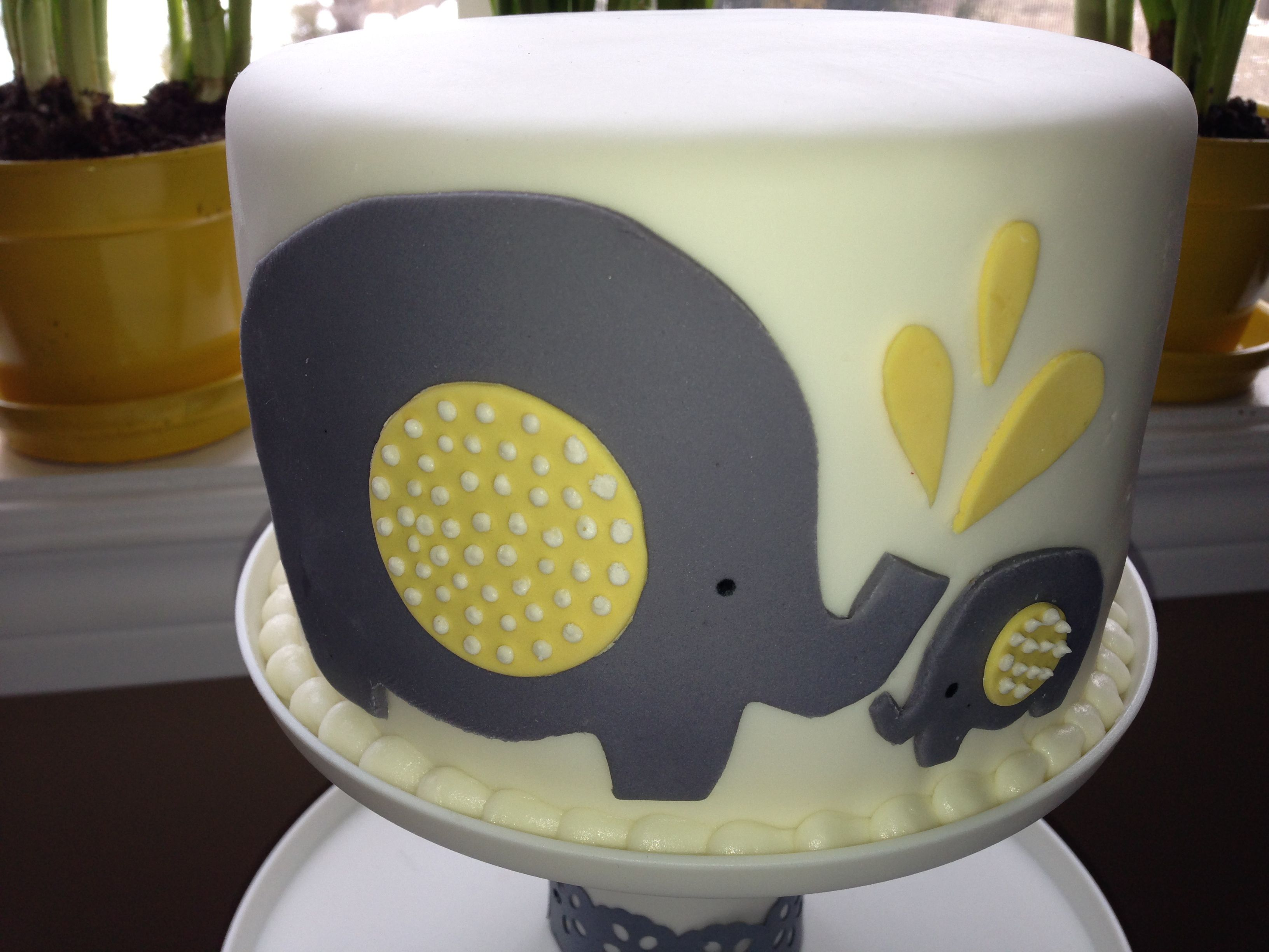 Grey and Yellow Baby Shower Elephant Cake this is so cute but