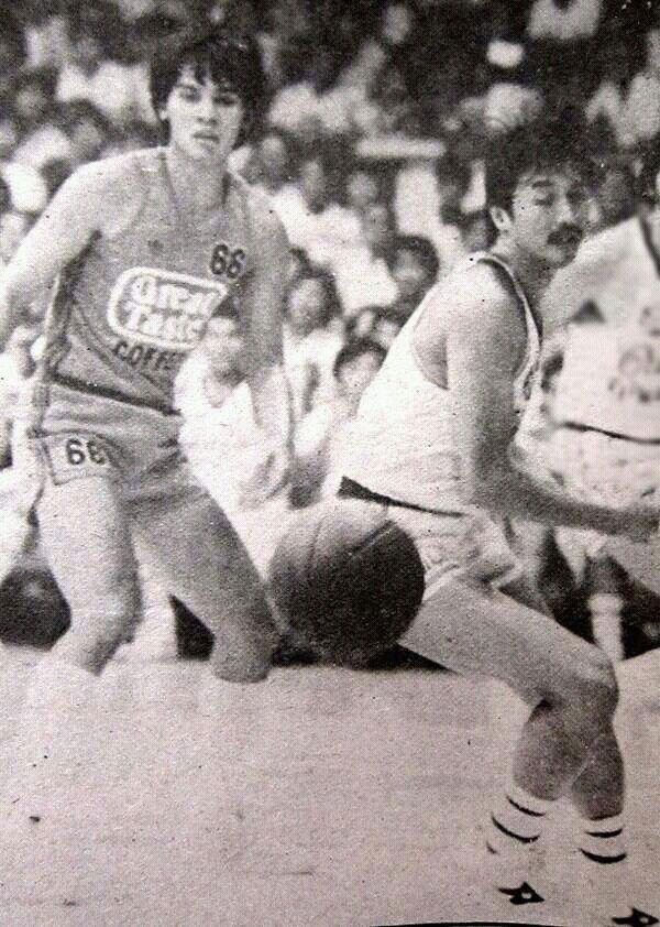 Atoy Co of Crispa Redmanizers against Joey Marquez of