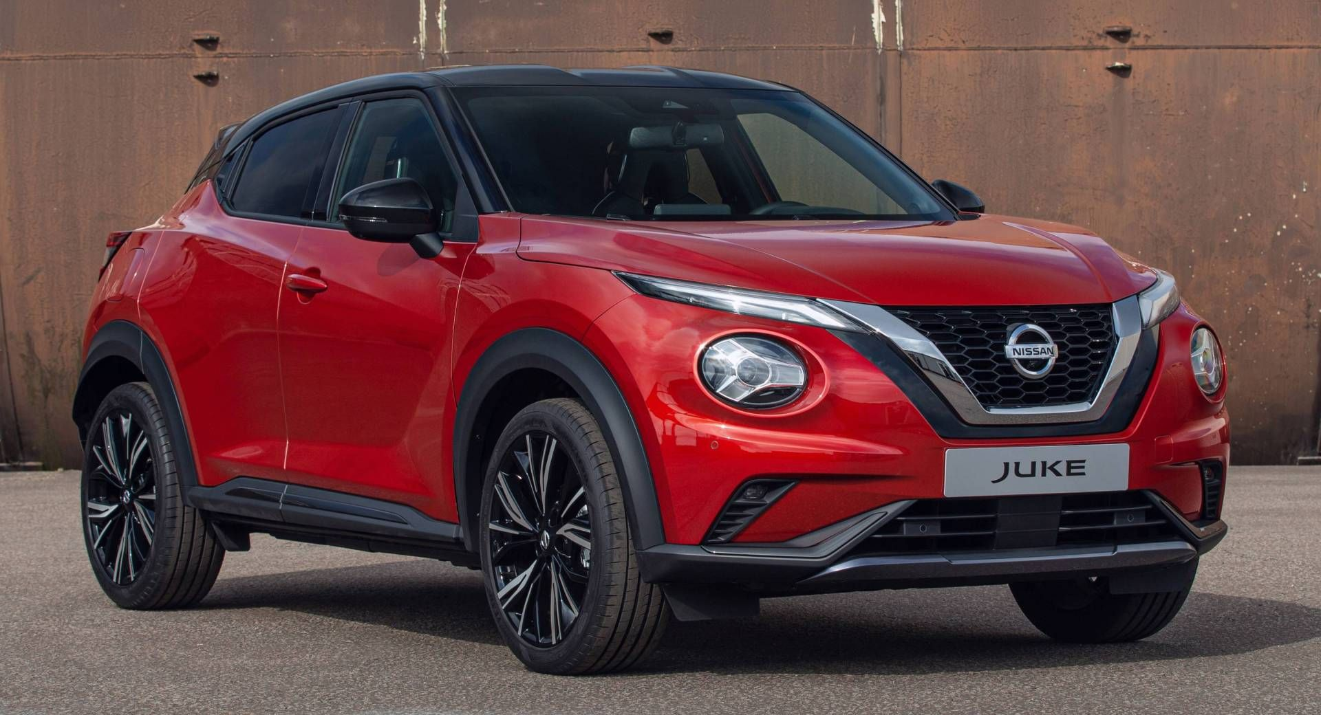 All New 2020 Nissan Juke Grows Up Without Losing Its Quirky Looks Carscoops Nissan Juke Nissan Juke Nismo Nissan
