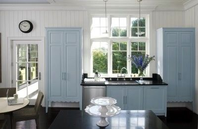Interieur Ice Blauw : Ice blue traditional kitchen ice blue
