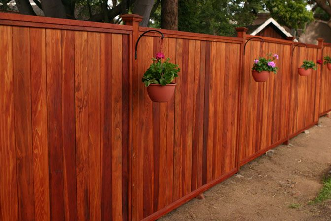 Redwood Fence Jpg 672 448 Pixels Redwood Fence Wood Fence Design Backyard Fences