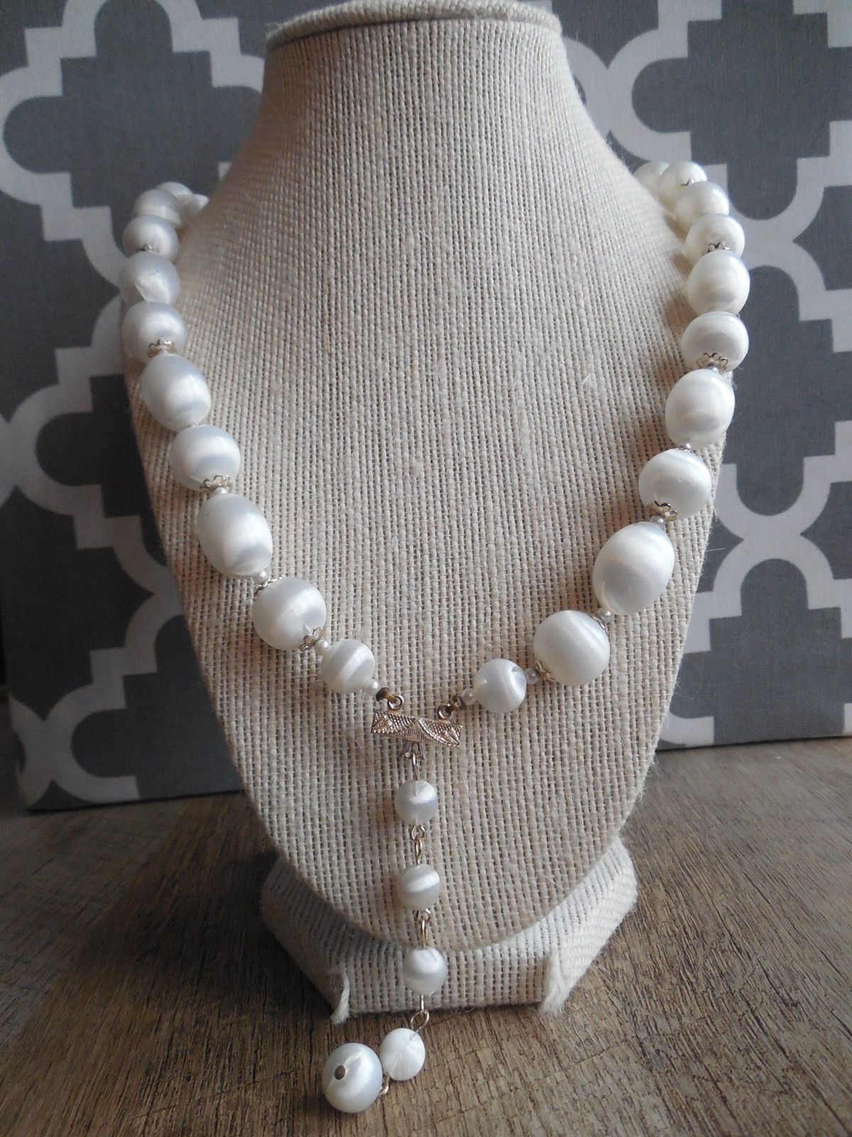 "12"" Vintage White Large Faux Pearl Necklace"