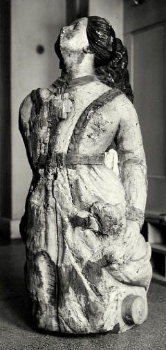 Naiset tekivät merillä muutakin kuin koristivat laivojen keulakuvia. Kuvassa kuunari Osmon keulakuva. Kuva: Rauman museo.