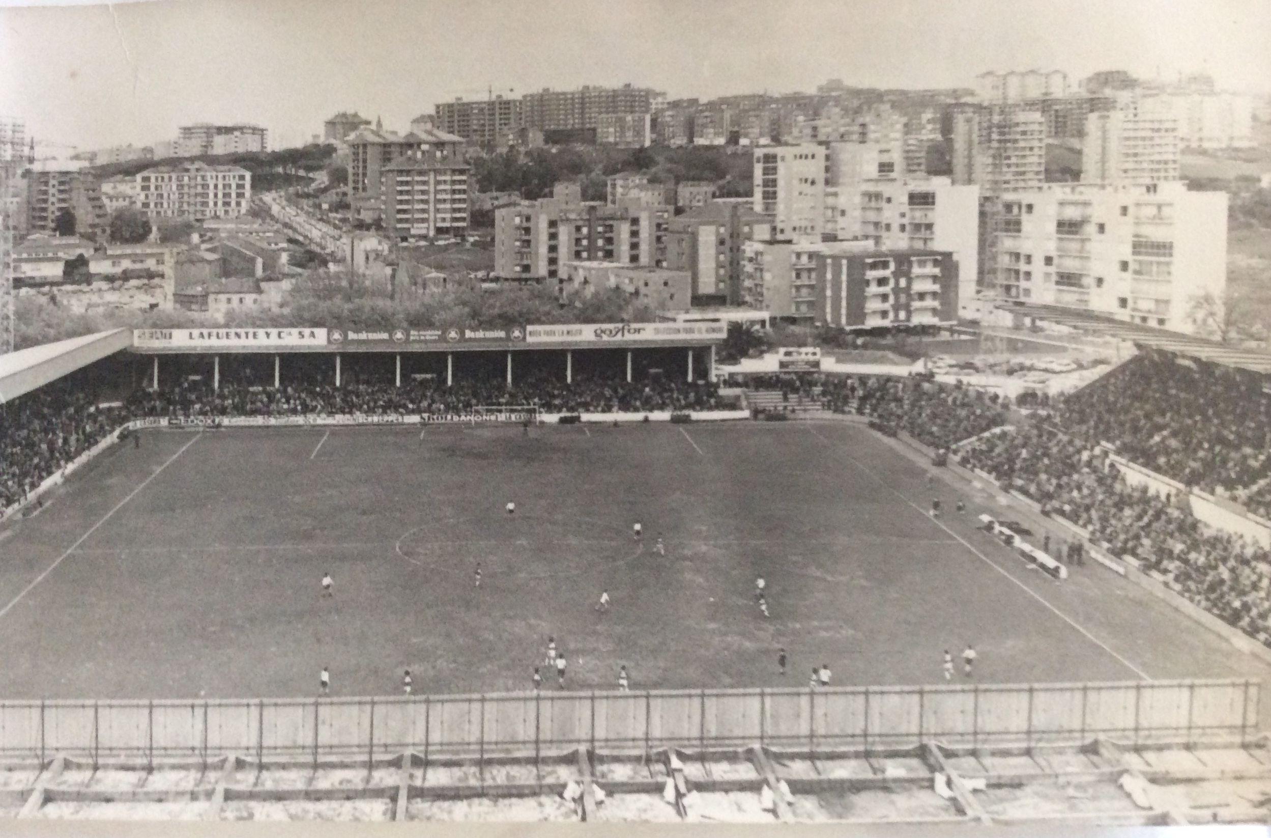 FOTOS HISTORICAS O CHULAS  DE FUTBOL - Página 16 195e85ecf66127921af12048b860c0d5