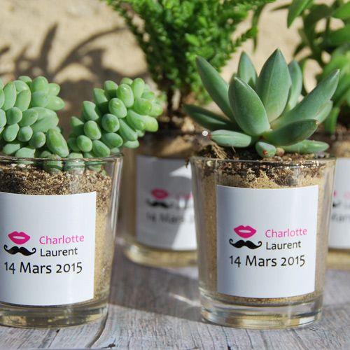 Succulentes avec pot en verre personnalisé aux prénoms des mariés