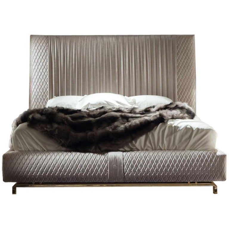 Best Giorgio Collection Upholstered King Size Bed Pleated 640 x 480