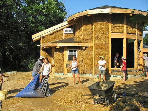 Taproot Farm Cob Workshop Straw Bale House Cob House Natural Building