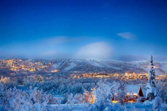 Beitostølen, Norwegen: zwei Skigebiete am See, sehr schneesicheres Gebiet, Langlaufparadies. Mehr Infos im Skiführer auf snowplaza.de