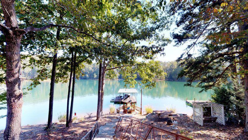Lake Keowee Get Away Vacation Home Lake keowee, Vacation