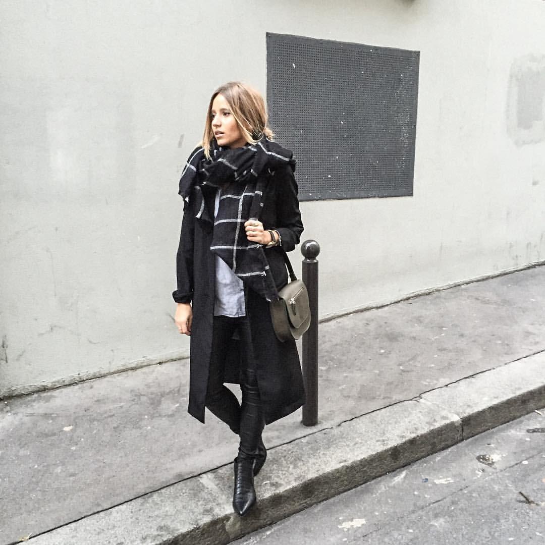 """C A M I L L E - B L O G G E R på Instagram: """"M o n o c h r o m e #outfit on noholita.fr  dernier look avec mes anciens cheveux sur le blog les filles """""""