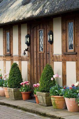 المسامير اللي على الخشب لبيت المستقبل Cottage Style English Cottage Cabins And Cottages