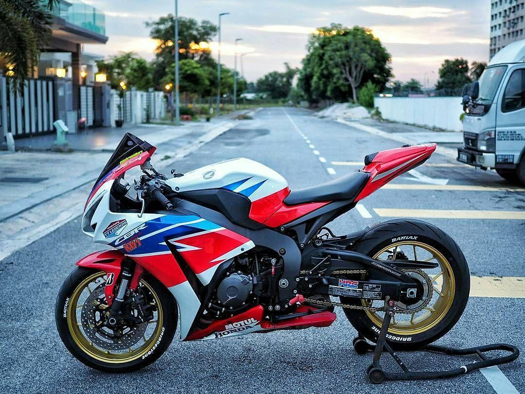 Sarawak Sabah Honda Motor Company, SuperbikeRacing