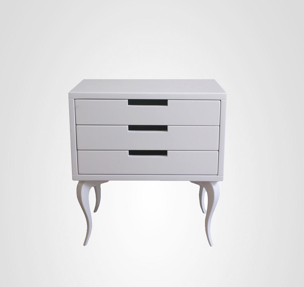 Criado com 3 gavetas branco Cabriolet com design elegante para ambientes requintados. Pra comprar no site www.movemovel.com.br