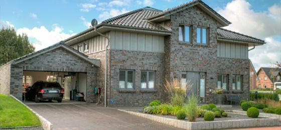 Mediterrane stadtvilla klinker  Kundenhaus Familie Böhm - #Einfamilienhaus von OSTRAUER ...