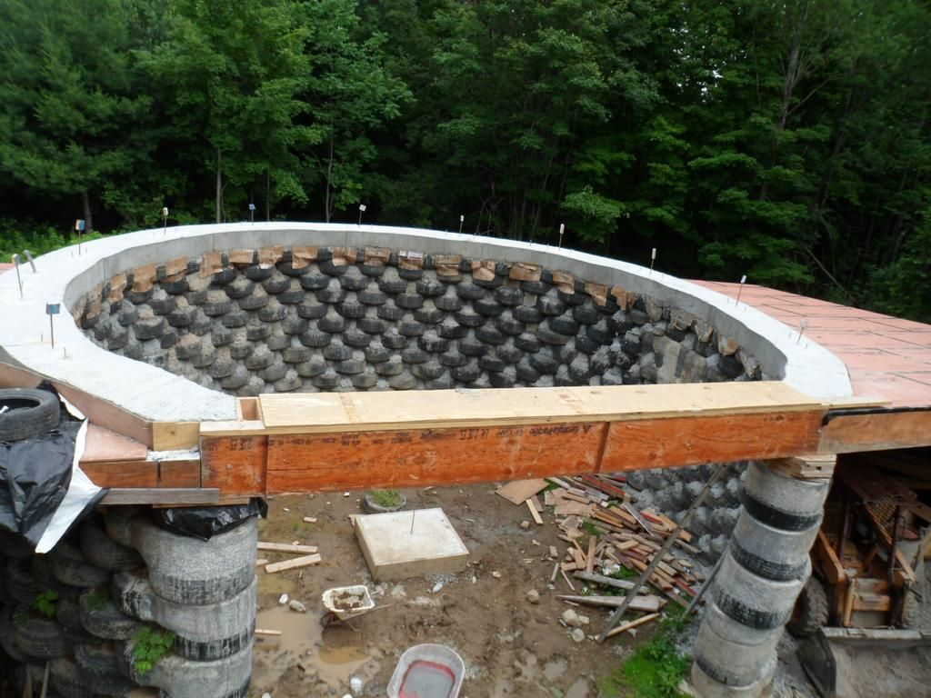 Large Earthship Homes Cronk Earthship Tire House Rammed Earth Passive Solar Earthship Home Earthship Earth Bag Homes