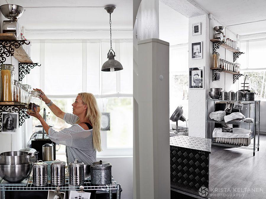 04-2015-container-interior-home-decoration-kontti-cottage-scandinavia-finnish-interior-lessismore-photo-krista-keltanen-04