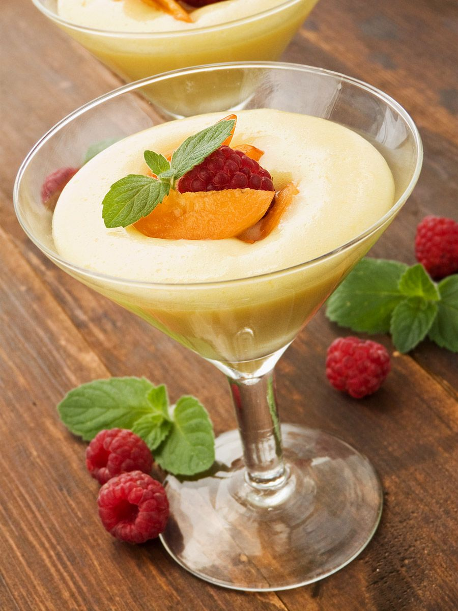 Limoncello Mousse   Quick Italian Dessert is part of Mini Italian dessert - This Limoncello mousse is simply ideal for the springsummer season! Creamy, refreshing, smooth and very delicious, plus so easy to prepare!