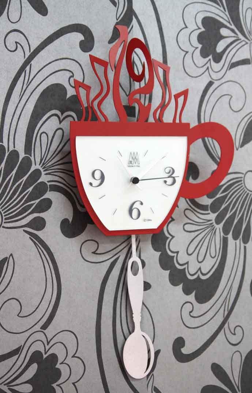 Ausgefallene k chenuhr caf in rot ihr online shop f r wanduhren mit originellem design f r die - Wanduhren design ausgefallene ...