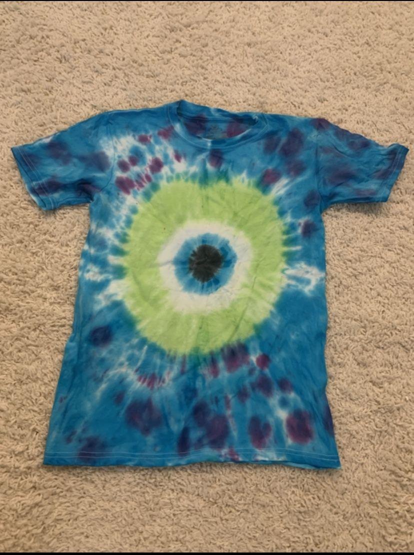 Mike And Sully Tye Dye Shirt Diy Tie Dye Shirts Tie Dye Diy Tie Dye Crafts [ 1109 x 828 Pixel ]