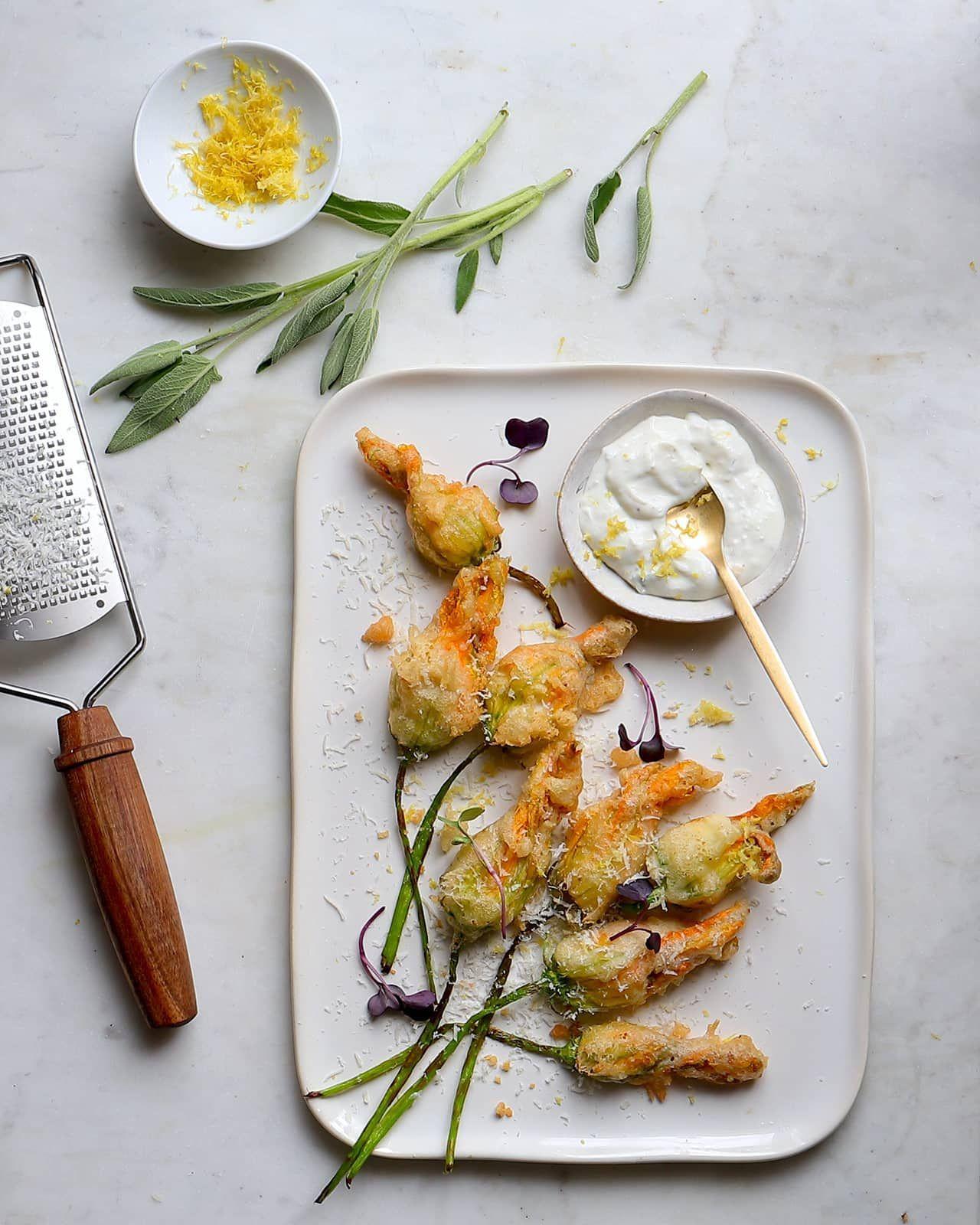 Fleur De Courgette Comment Cuisiner Cet Aliment Tendance Qui Affole Instagram En 2020 Comment Cuisiner Fleurs De Courgettes Idee Recette