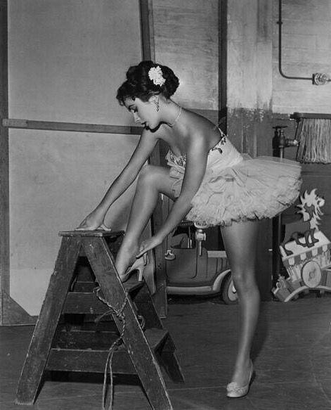Resultado de imagen para elizabeth taylor heels