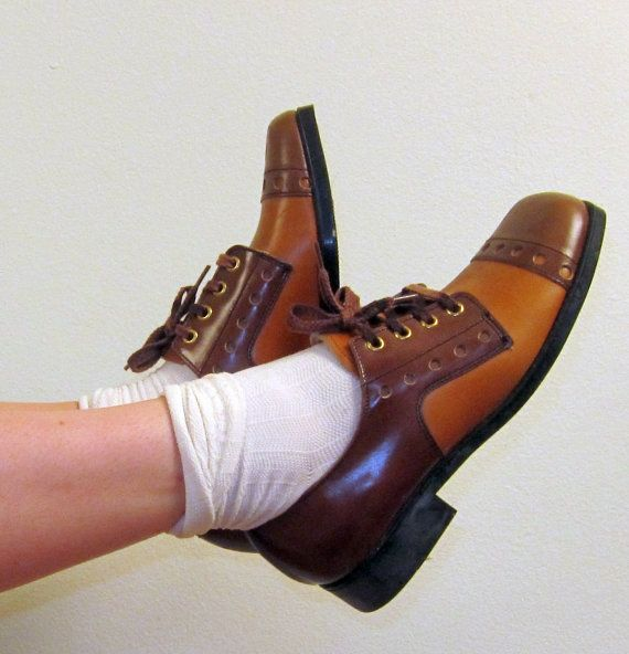 dd2f198ad0a80 Vintage Buster Brown Shoes / 1970s Brown Oxfords / 70s Lace Up Shoes ...
