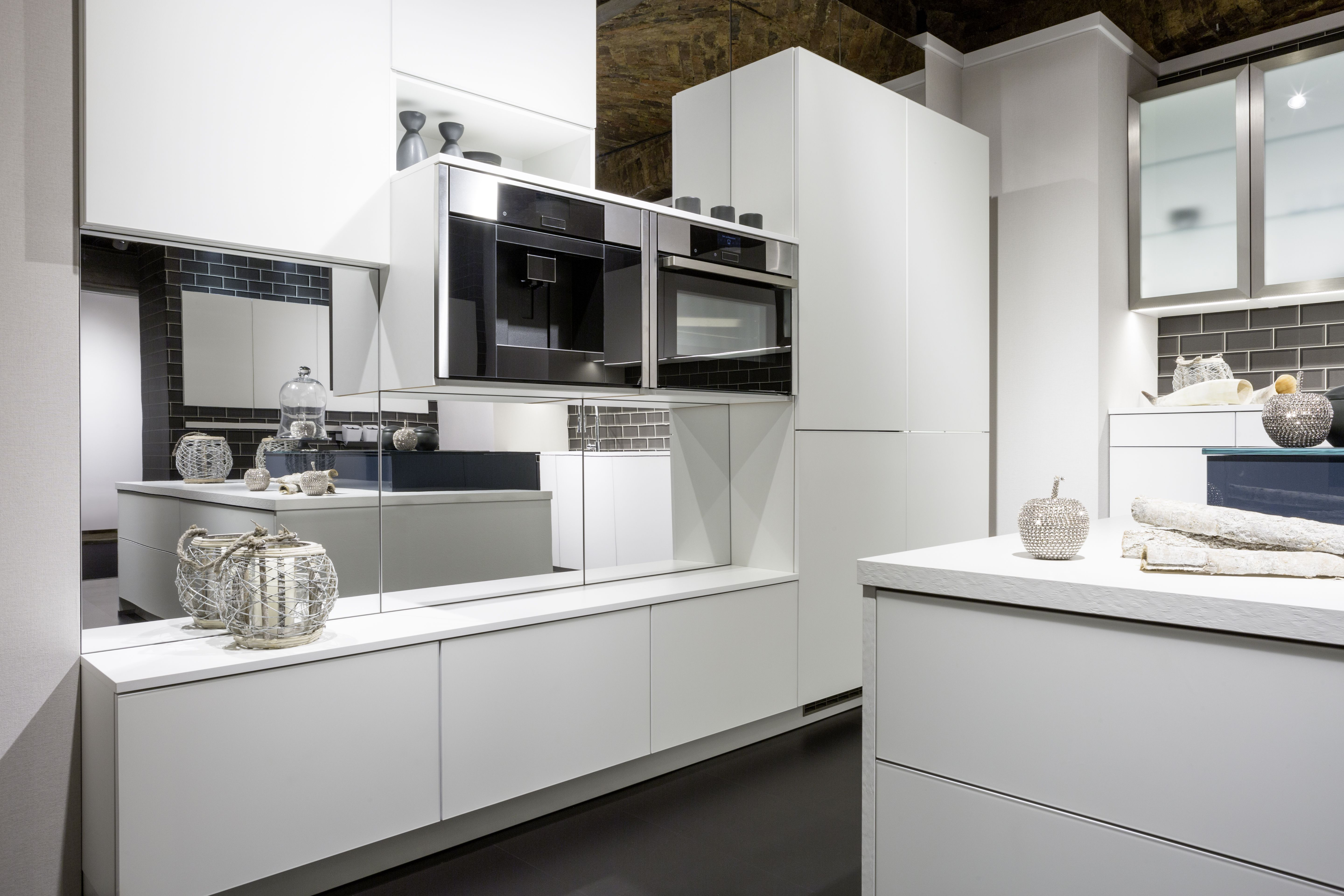 A White Out Is Always A Good Idea Check Out This Amazing Kitchen And Find The Look Here Cool Kitchens Kitchen Kitchen Design