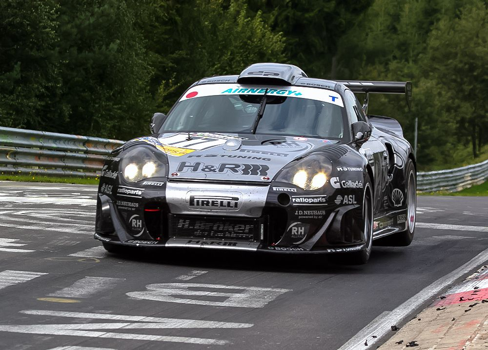 The Alzen 996 Turbo race car had 4 wheel drive and 600hp and ...