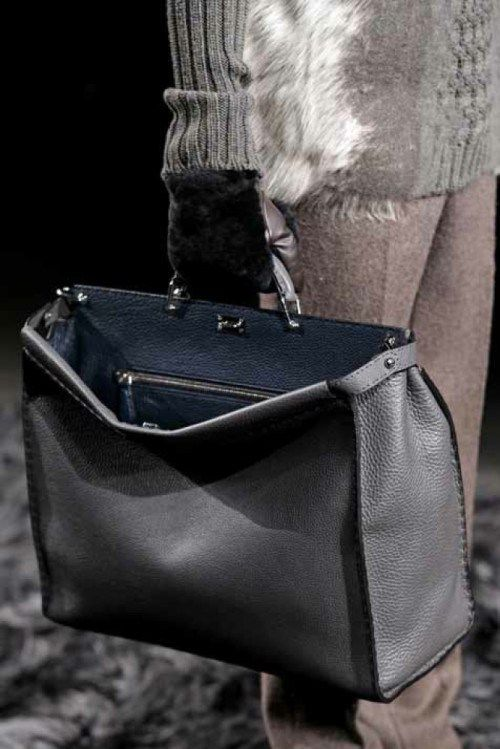 half off competitive price better Fendi Peekaboo for him | Souliers chic pour homme | Sac mode ...