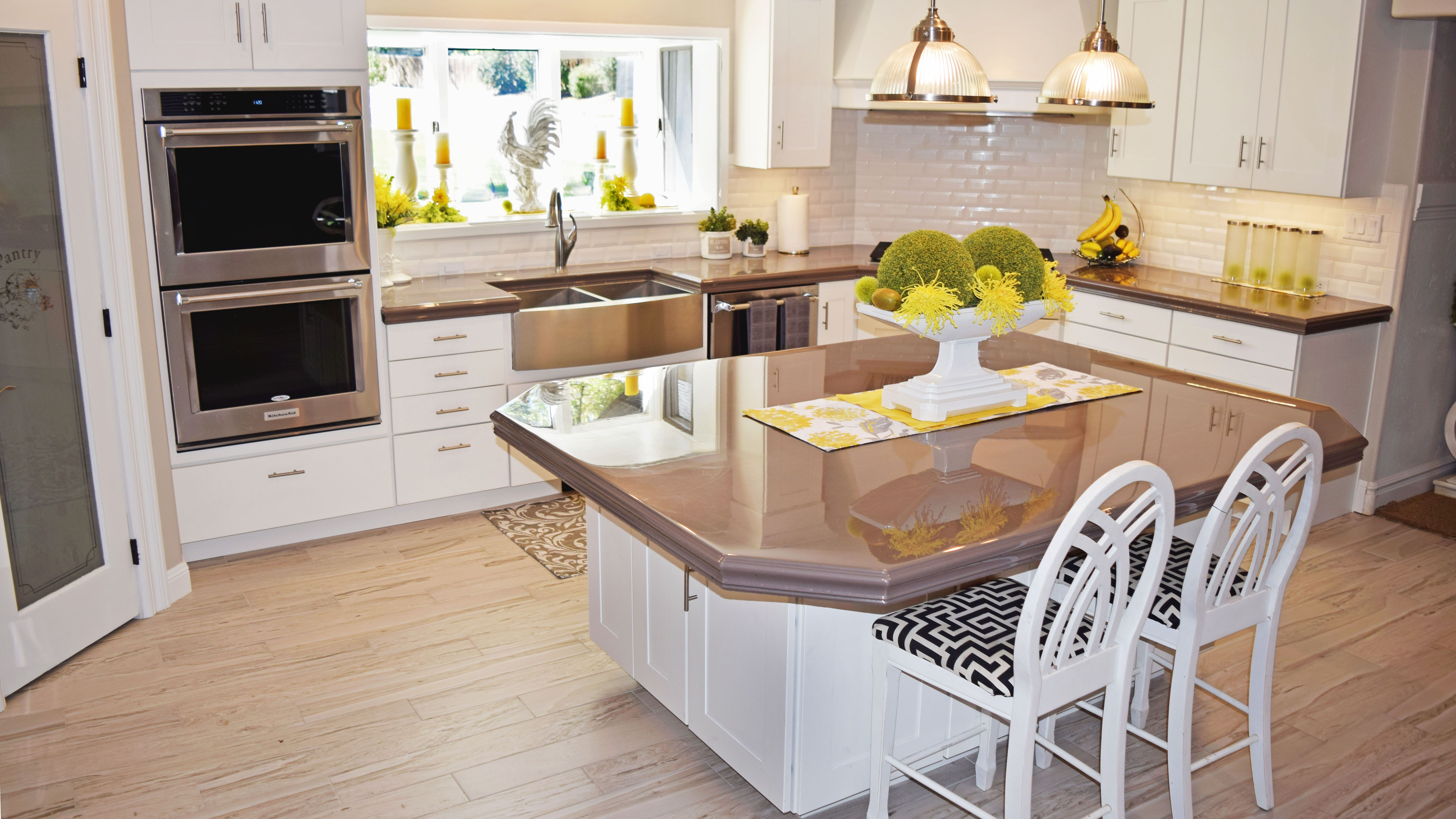 These Epoxy Countertops Matched With White Kitchen Cabinets And Stainless Steel Appliances Keep Your Kitchen Epoxy Countertop Kitchen Design Kitchen Design Diy