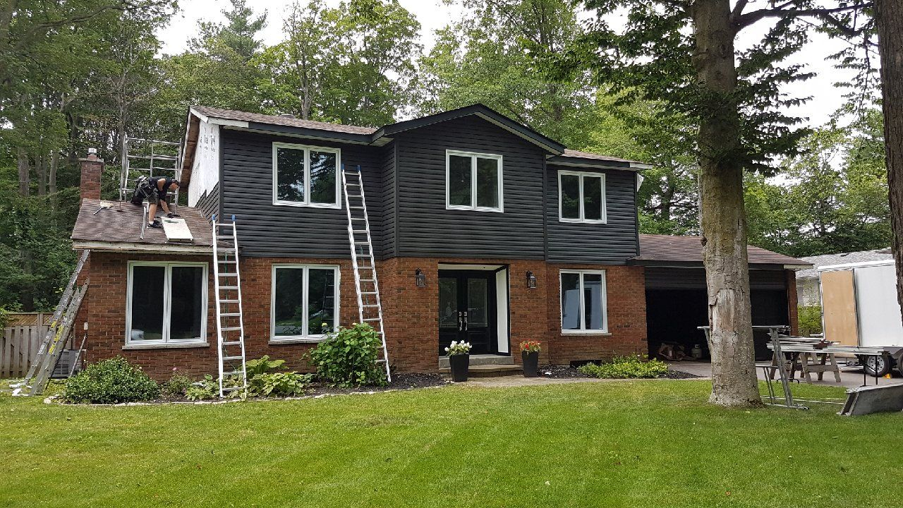 This Project Included The Complete Removal Of All Old Siding Aluminum Soffit Fascia Eavestrough And Outdated Inefficient Modern Siding Housewrap House Styles