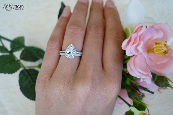 49+ Pear engagement ring with wedding band ideas information