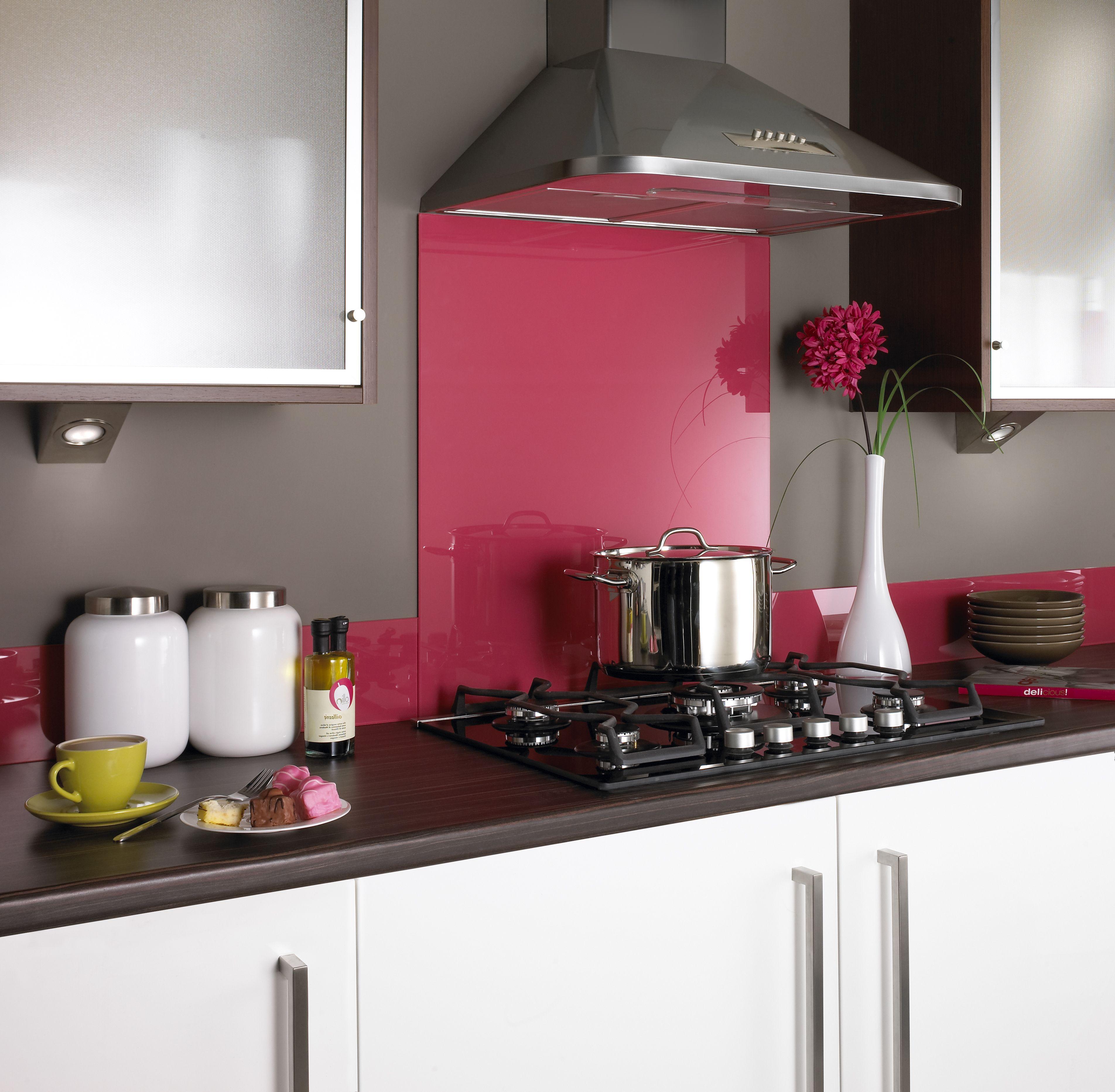 Hot Pink Glass Splashback #kitchen #kitchens #backsplash