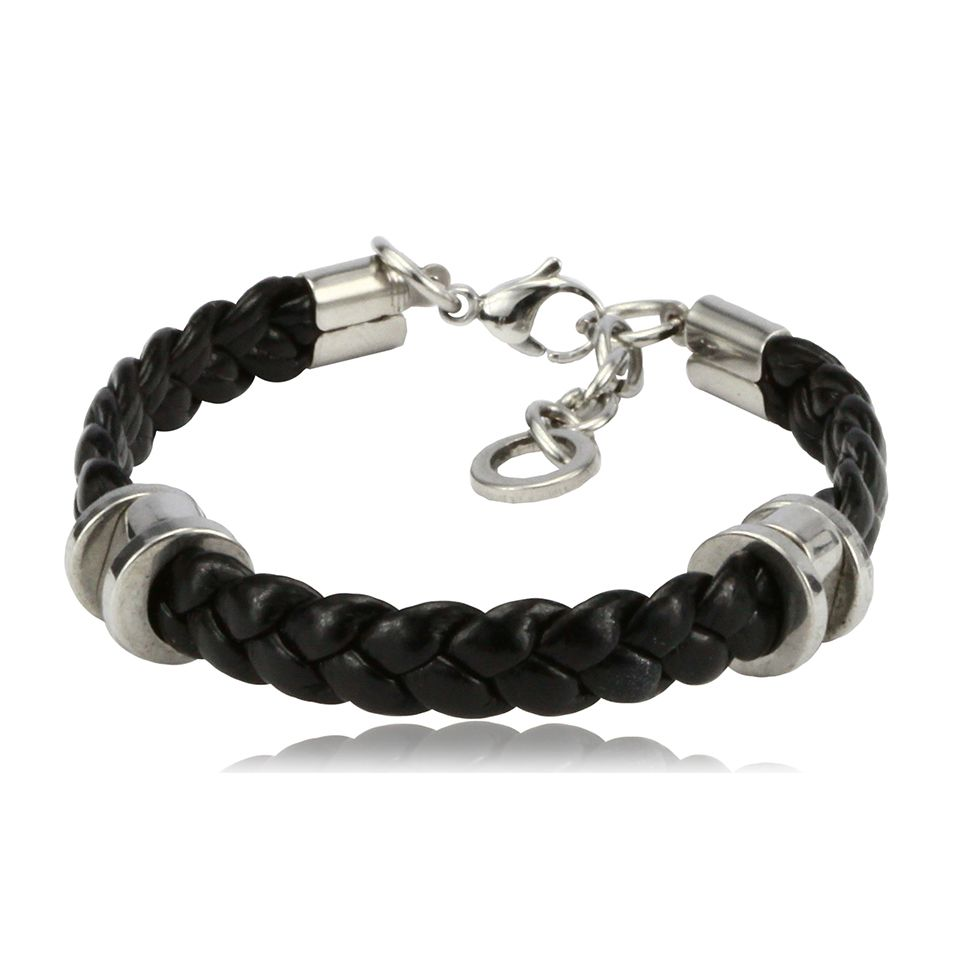 Leone Black Braided Bracelet for Young Boys -http://www.transfashions.com/en/brands/jewelry/men/transfashions/leone-black-braided-bracelet-for-young-boys.html Style can come at any age and for young boys who have a keen eye for street cool fashion there is this standout accessory by Transfashions.    Men Fashion Bracelet