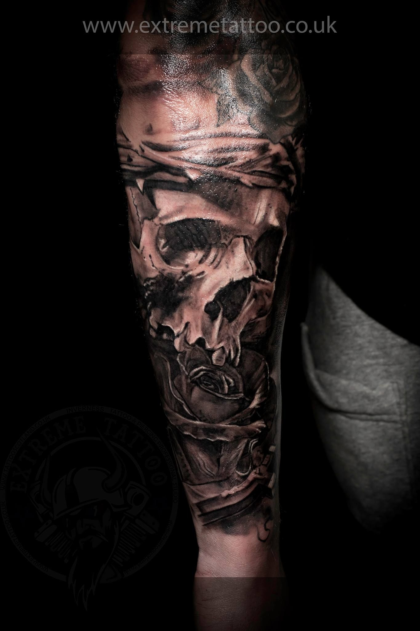 skull tattoo done at extreme tattoo piercing inverness highland scotland by catalin gal at our. Black Bedroom Furniture Sets. Home Design Ideas