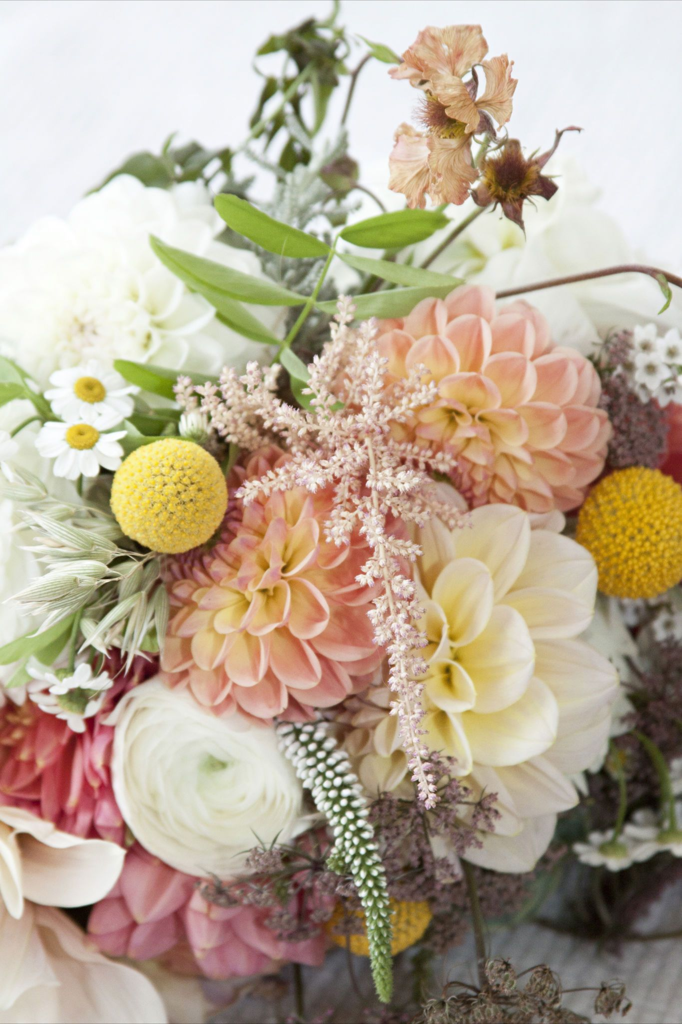 a wedding in Cornwall with the most beautiful flowers | Beautiful ...