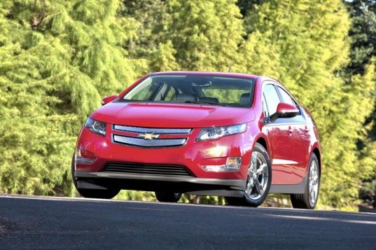 Chevrolet Expected To Launch Cheaper Chevy Volt Plug In Hybrid Next Year Chevrolet Volt Chevy Volt Car Chevrolet